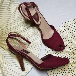 Shoes - Vintage Anne Klein Peep Toe Heels size 8